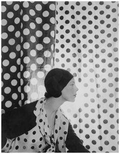 Charles James - vogue - Photo Cecil Beaton, Vogue, May 10, 1930