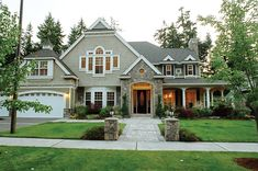Plan 071D-0194   look at this curb appeal - WOW!   houseplansandmore.com