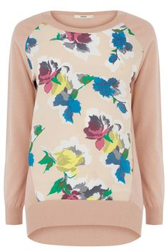 A beautiful blush pink and pretty spring floral makes this the top that has sunny weekend written all over it.