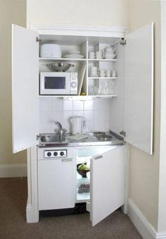 Cuisine cachée _Previous Posts - Home Remodeling Ideas - The tiny kitchen Micro Kitchen, Compact Kitchen, New Kitchen, Kitchen Decor, Awesome Kitchen, 10x10 Kitchen, Kitchen Nook, Beautiful Kitchen, Country Kitchen