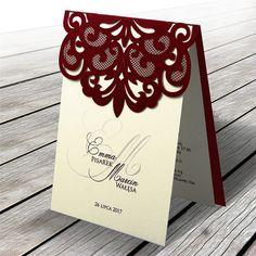 A meghívó borítója kiváló minőségű bordó matt papírból készül, a betétlap matt ekrü. A borítót lézer kivágás díszíti, elején a menyasszony és vőlegény neve, dátum, halvány monogrammal a háttérben. A meghívóhoz dekoratív boríték jár. A meghívóknál nincs szerkesztésiés nyomtatási költség. Mma, Place Cards, Playing Cards, Monogram, Place Card Holders, Monogram Tote, Mixed Martial Arts, Game Cards, Monograms