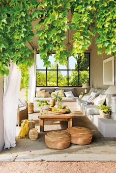 Draussenzimmer Gorgeous Outdoor Patio Italian Villa Inspired Selecting The Perfect Room Air Purifier Decor, Outdoor Dining, Rustic House, Home And Garden, Outdoor Decor, Outdoor Rooms, Home Decor, Garden Design, Outdoor Furniture Sets