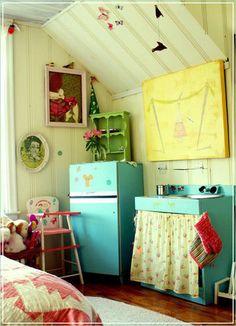 precious playroom/bedroom