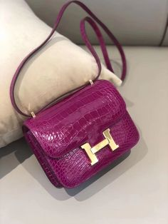 crafted from box leather flap over design Fully lined in leather with 2 open pockets. Hermes embossed on the hardware Genuine imported box leather. Popular Purses, Hermes Constance, Crocodile Skin, Small Handbags, Large White, Crossbody Bag, Hardware, Shoulder Bag, Pockets