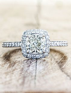Holy fuck this is it this is itttt!!!! I need this, it's this oneee...but maybe 2 carats instead if the future hubby can score it. I mean i am gonna wear it for the rest of my life! Ugh in love.   Unique Custom Engagement Rings by Ken & Dana Design - Elizabeth top view