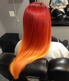 The ombre hair trend has been seducing for some seasons now. More discreet than tie and dye, less classic than sweeping, this new technique of hair. Fire Ombre Hair, Fire Hair, Ombre Hair Color, Cool Hair Color, Hair Colors, Orange Ombre Hair, Red Ombre, Sunset Hair, Bright Hair