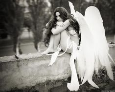 beautiful female angels | 20 Beautiful Pictures of Angels | CreativeFan