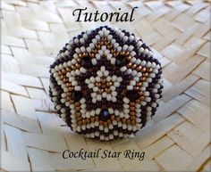 This Cocktail Star RIng is a real eye-catcher! It& 29 mm diameter, so if you like big rings this one is definitely for you! You will learn a principle. Beading Projects, Beading Tutorials, Beading Patterns, Free Tutorials, Peyote Beading, Beadwork, Star Ring, Small Rings, Beaded Rings