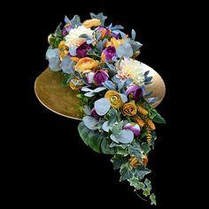 Dek. nagrobne Funeral Flower Arrangements, Funeral Flowers, Greenery, Floral Wreath, Wreaths, Gardening, Decor, Corona, Flowers