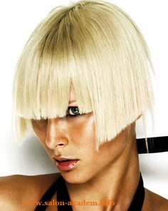 "Стрижки боб на короткие волосы #Фото  Вернуться в раздел ""Короткий боб""    http://www.salon-akadem.info/strizhki-bob-na-korotkie-volosy.php"