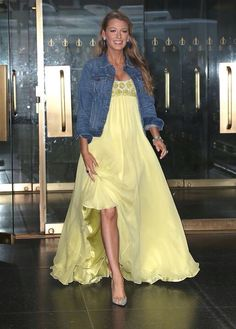 Blake Lively wows in yellow while pregnant with baby #2
