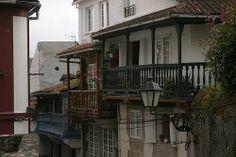 Balcones de Betanzos Cabin, House Styles, Home Decor, Balconies, Viajes, Wood, Places, Pictures, Decoration Home