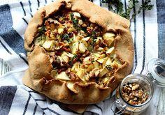 Špaldová galette s jablky a gorgonzolou