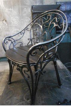 Should Furniture Match Wrought Iron Chairs, Wrought Iron Decor, Iron Furniture, Steel Furniture, Metal Bending, Blacksmith Projects, Iron Art, Welding Art, Iron Gates