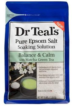 Dr Teal's soaking solution harnesses the power of antioxidant-rich Matcha Green Tea to provide a relaxing bath with the Matcha Green Tea Epsom Salt Calm. Chamomile Oil, Oil Free Makeup, Sugar Scrub Diy, Exfoliating Scrub, Relaxing Bath, Foot Cream, Epsom Salt, Matcha Green Tea, Body Scrub