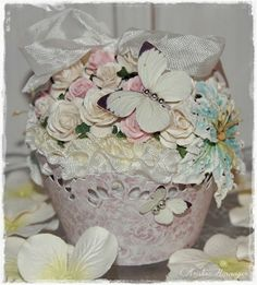 Kristine's lille papirverden: CUPCAKE & PINTEREST UTFORDRING Decorative Boxes, Scrap, Vase, Muffins, Cupcake, Design, Home Decor, Creative, Homemade Home Decor
