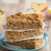 Phase 1 Apple-Cinnamon Cake Bars from our blog are the perfect all-in-one breakfast! Sweet and apple-y, with all of the goodness of whole apples and whole oats in every tasty bite. #FASTMETABOLISMDIET