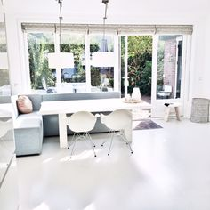 Living Room Inspiration, Interior Inspiration, Dining Booth, Home And Living, Kitchen Remodel, Beautiful Homes, Building A House, Sweet Home, New Homes