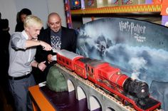 Awesome Hogwarts Express cake! This guy made our baby shower cake (delivered it too!), but that was before he was a cable star.