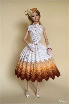 Irresistible Crochet a Doll Ideas. Radiant Crochet a Doll Ideas. Crochet Doll Dress, Crochet Barbie Clothes, Knitted Dolls, Barbie Clothes Patterns, Clothing Patterns, Dress Patterns, Habit Barbie, Barbie Wardrobe, Barbie Dress