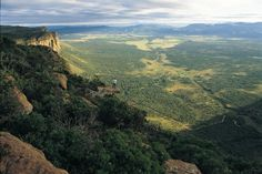 Interesting destinations in South Africa - Waterberg Mountains in Limpopo Province. Top Of The World, Travel Around The World, Around The Worlds, 7 Continents, Tourist Information, Places To See, South Africa, Tourism, Beautiful Places
