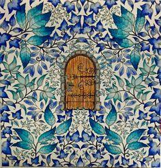 Center door. Secret Garden. Porta central. Jardim Secreto. Johanna Basford