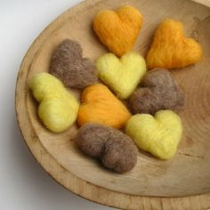 hearts from felt! Is there a tutorial on how to make these? My daughter would love these!