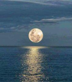 Super Moon! - Aqui no Rio de Janeiro, não deu para ver...estava nublado, pena.