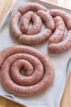 Learn how to make Homemade Sausage with this VIDEO recipe. Homemade sausage is a great way to use less expensive cuts of meat. The best kielbasa recipe! Homemade Sausage Recipes, Homemade Breakfast Sausage, Pork Recipes, Recipies, Kielbasa Sausage, Grilled Sausage, Best Kielbasa Recipe, Chorizo, Home Made Sausage
