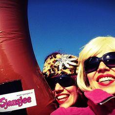 Ben jij klaar voor de nieuwste #carnavalskraker van Sjansjee? Dit weekend komt onze single uit! Nieuwsgierig? Gebruik #worssieselfie in je bericht en maak kans op een gesigneerde cd van Sjansjee!