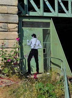Encre de chine sur kraft sur porte métalique Street Artists, Graffiti, Studio, Street, Urban, India Ink, Shutters, Studios, Graffiti Artwork