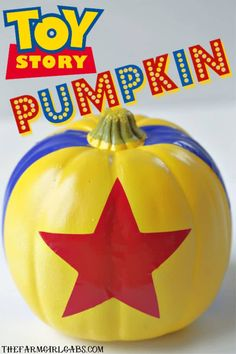 DIY Toy Story Pumpkin Buzz Lightyear to Star Command. Halloween is around the corner and we are beaming up this rootin-est tootin-est DIY Toy Story Pumpkin. The toys, I mean kids will love this easy Disney craft. Toy Story Halloween, Fete Halloween, Halloween Crafts, Disney Halloween Decorations, Halloween 2020, Halloween Ideas, Disney Diy, Disney Crafts, Cute Pumpkin