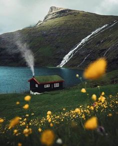 Would you live here? A home in the Saksun Faroe Islands. Photo by Would you live here? A home in the Saksun Faroe Islands. Photo by Places To Travel, Places To See, Travel Destinations, Beautiful World, Beautiful Places, Wonderful Places, Beautiful Norway, Peaceful Places, Beautiful Scenery