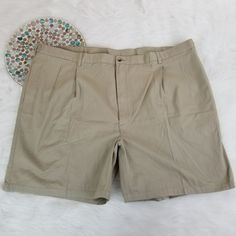 Hunt Club Mens Shorts Size 52 Big Beige Pleated Chino Khakis Adjustable Waist #HuntClub #KhakisChinos
