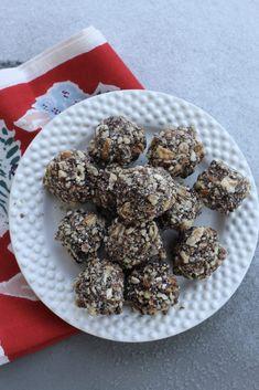 59b4e4b253 Homemade idle-isle toffee and almond creme balls