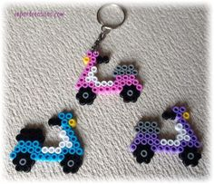 llavero moto hama beads