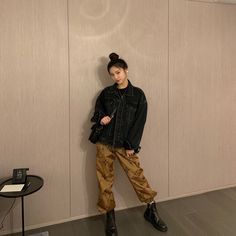 Because of her very-important-I'm-sure obsession with pants. Kpop Girl Groups, Korean Girl Groups, Kpop Girls, Rapper, Mode Kpop, Kpop Outfits, These Girls, New Girl, South Korean Girls
