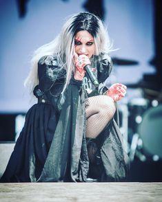 """""She wasn't looking for a knight, she was looking for a sword. Lacuna, Cristina Scabbia, Heavy Metal Girl, Rock Queen, Fierce Women, Women Of Rock, Symphonic Metal, Girl Bands, Death Metal"
