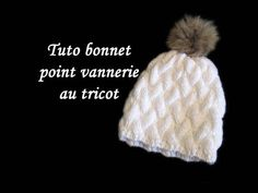 Instructions écrites ici: ... Bonnet point de vannerie au tricot facile à réaliser.. Knit, Hat, Basket, Easy, Tuto, Tricot, Facile,