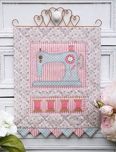 From Christmas to gardening themes, Sally Giblin has designed a lovely range of wallhanging patterns. Sewing Room Decor, Sewing Rooms, Small Quilts, Mini Quilts, Quilting Projects, Sewing Projects, Mini Quilt Patterns, Sewing Machine Quilting, Coin Couture