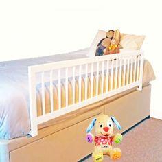 die besten 25 rausfallschutz kinderbett ideen auf pinterest kleinkinderbett kinderbett mit. Black Bedroom Furniture Sets. Home Design Ideas