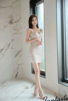 Satin Skirt, Dress Skirt, Bodycon Dress, Sexy Stockings, Korean Beauty, Beautiful Legs, Beautiful Women, Yoon Ju, Girl Fashion