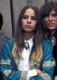 Michelle Phillips is my girl. Look at dat ombre you go kill em Michelle Phillips, Beautiful People, Beautiful Women, Glamour, Celebs, Celebrities, Ombre Hair, Style Icons, 60s Style