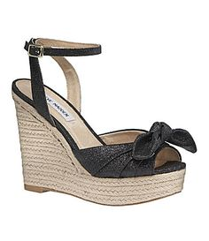Love wedges, especially since I can't wear regular heels anymore bc of nerve damage!