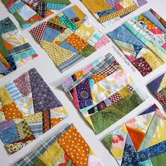 Modern Day Crazy Quilt See the crumbs in the blocks. They are made from my scraps from my stash: I think it is a Beautiful fun, random scrappy, crumb block quilt.fun random scrappy blocks - mug rugs or table runner?Scrappy quilt squares in random pattern. Quilting Tutorials, Quilting Projects, Quilting Designs, Quilting Ideas, Crazy Quilt Tutorials, Scrap Fabric Projects, Quilting Templates, Sewing Projects, Diy Projects