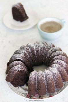 Ricetta torta all'acqua al cioccolato | Anna On The Clouds