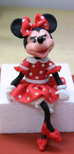 Minnie Mouse modelado fondant