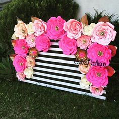 Kate Spade theme (Could also be perfect for a little girl's party w/ the right height) Kate Spade Party, Kate Spade Bridal, Paper Flower Backdrop, Paper Flowers, 21st Birthday, Birthday Parties, 30th Birthday Ideas For Girls, Birthday Stuff, Theme Nature