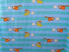 Garfield-Odie-Chasing-Clouds-Vintage-Jim-Davis-1978-UFS-Sewing-Quilting-Fabric