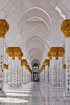 This mosque looks wonderful but really, sometimes rich pushes the borders of tacky. -->The aisle of arches along the north side of the Sheikh Zayed Mosque in Abu Dhabi, UAE Architecture Antique, Architecture Classique, Islamic Architecture, Beautiful Architecture, Beautiful Buildings, Art And Architecture, Abu Dhabi, Sharjah, Beautiful World